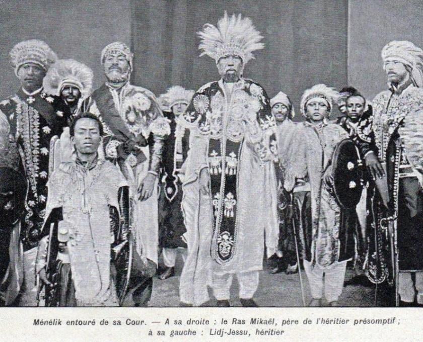 Menelik entouré de sa cour Illust 1909