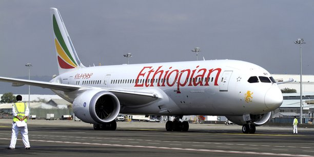 ethiopian-airlines-avion-de-passagers-compagnie-aerienne-afrique-aviation-ciel-africain
