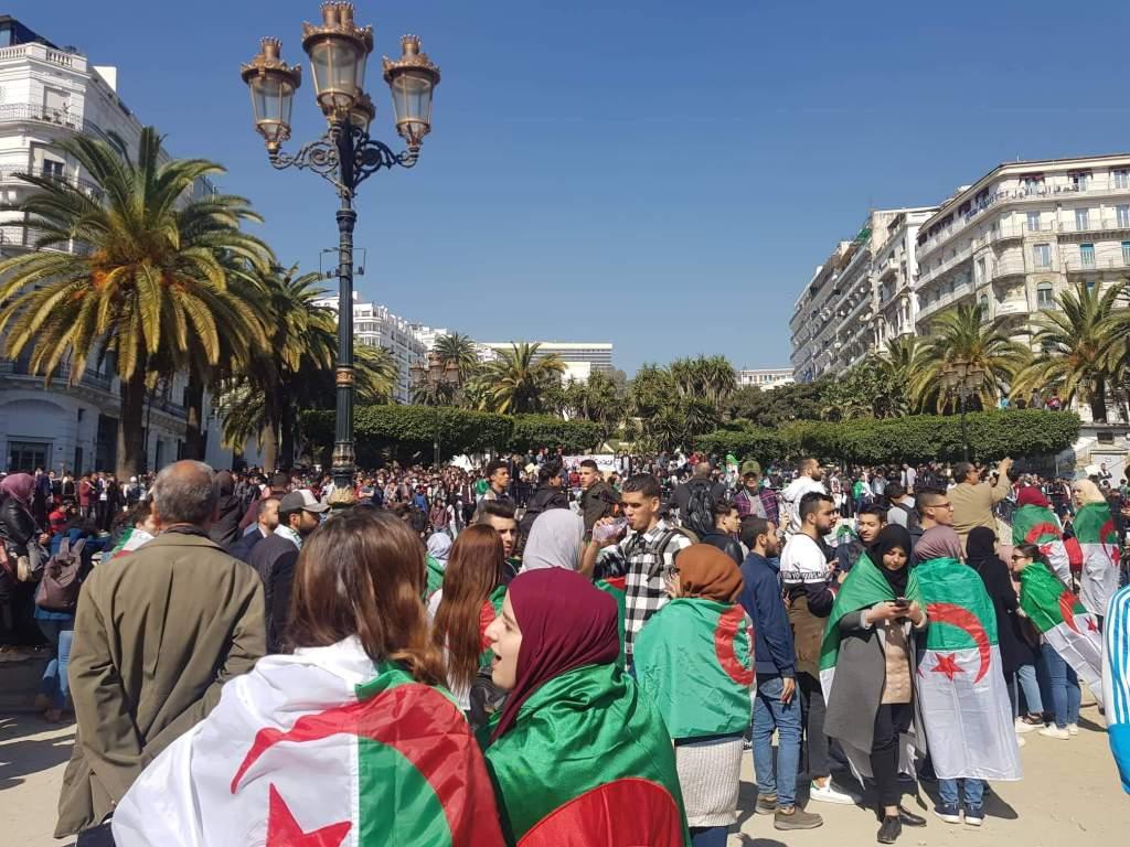 Manifestation en Algérie pour départ du président Bouteflika
