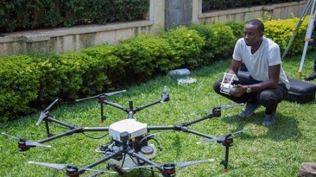 Rwanda-un-drone-anti-moustiques