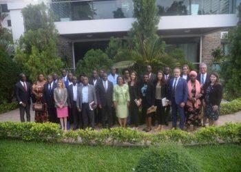 Une délégation de députés américains chez la première Dame de Côte d'Ivoire, Dominique Ouattara. Photo: AfrikiPresse