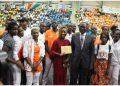 Marie Josée Ta lou et ses camarades reçoivent leurs primes des jeux africains de Rabat