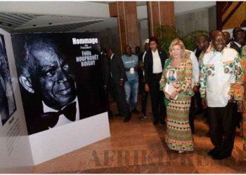 La première dame à l'ouverture de l'expo photos en hommage à Houphouët, le 6 décembre 2019 à Yamoussoukro