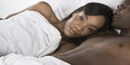 6 choses que les femmes veulent que leurs hommes fassent quand ils sont au lit