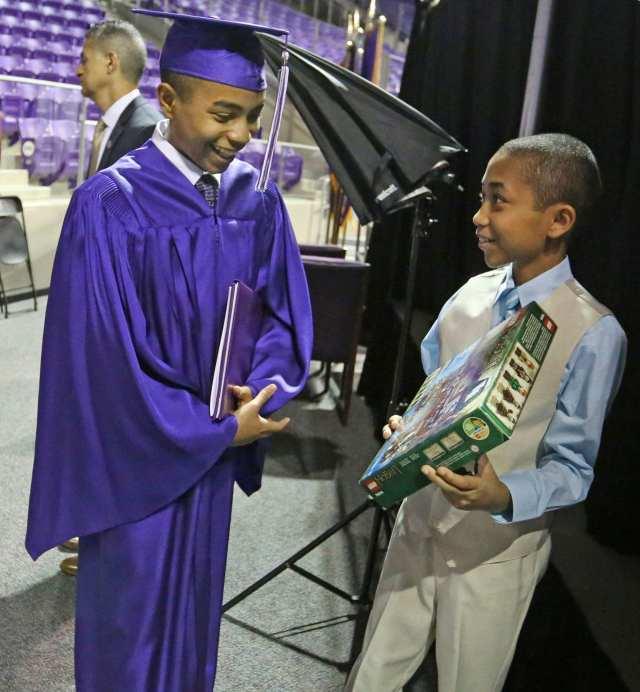États-Unis: âgé de 14 ans, il obtient sa licence en physique (photos)