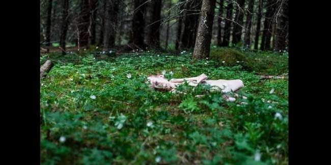 Norvège: Malade, un politicien pose nu pour être une source d'inspiration (photos)
