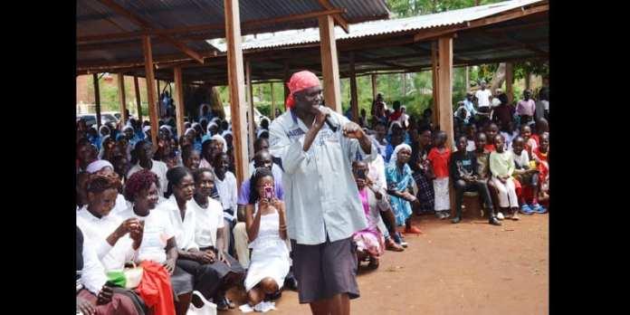 Kenya: Un prêtre suspendu pour avoir utilisé le rap comme moyen d'évangélisation (vidéo)