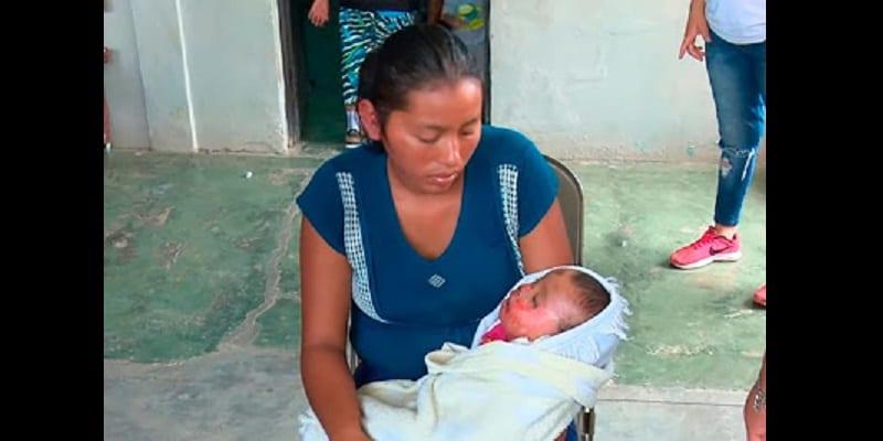 Déclaré mort, un bébé ''revient à la vie'' lors de ses funérailles (photos)