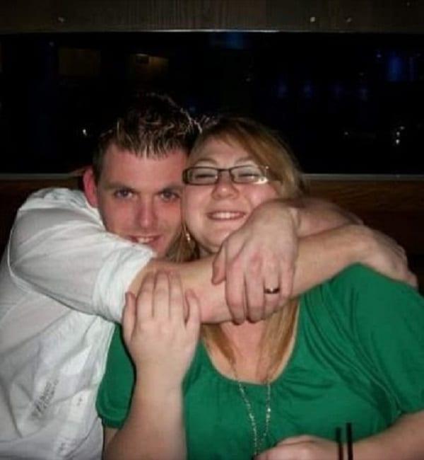 Elle surprend son mari et sa tante quelques semaines après son mariage