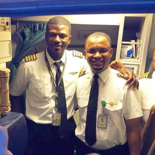 Hired as an airplane cleaning agent, he became captain 24 years later (photos)
