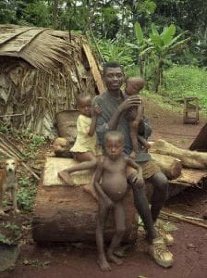 Voici pourquoi les pygmées Aka d'Afrique centrale ont les «meilleurs pères du monde»