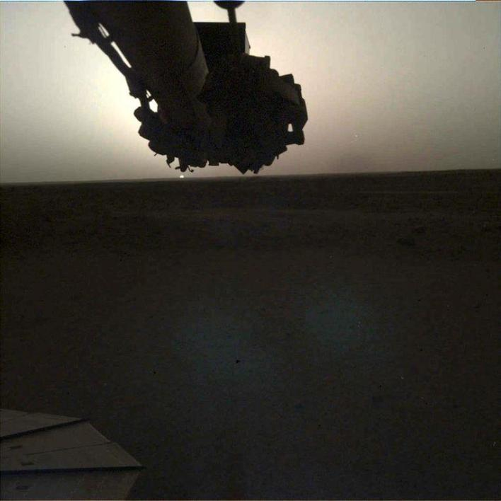 This is what sunrise and sunset on Mars looks like [Photos]