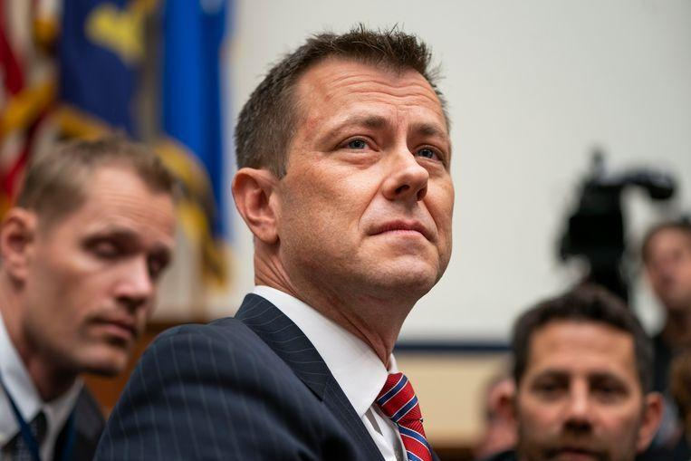 """Fired FBI agent who scolded Trump for """"idiot"""" sues US"""
