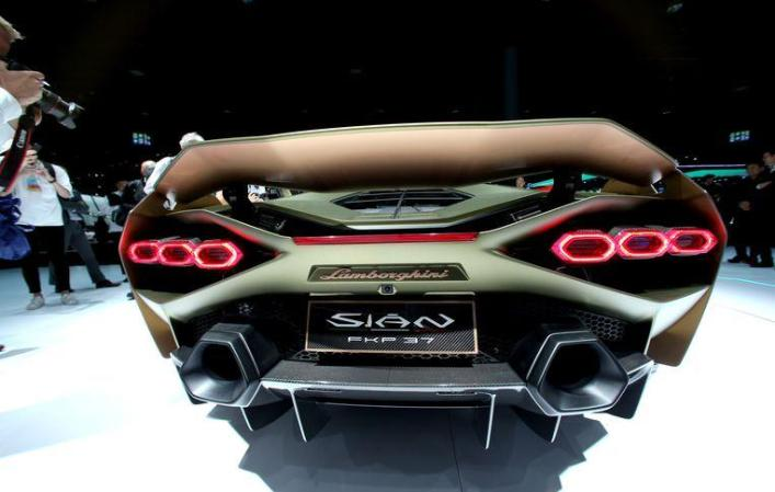 World's largest motor show: a flood of electric models and return of an icon