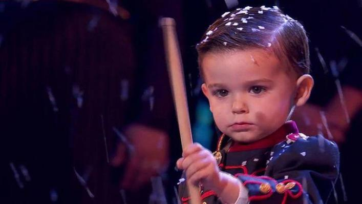 The three-year-old Hugo Molina is probably the world's youngest winner of a TV talent show. The drummer finished first in 'Got Talent España' and can now call himself 25,000 euros richer.