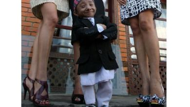 Photo of The world's shortest mobile man (27) died