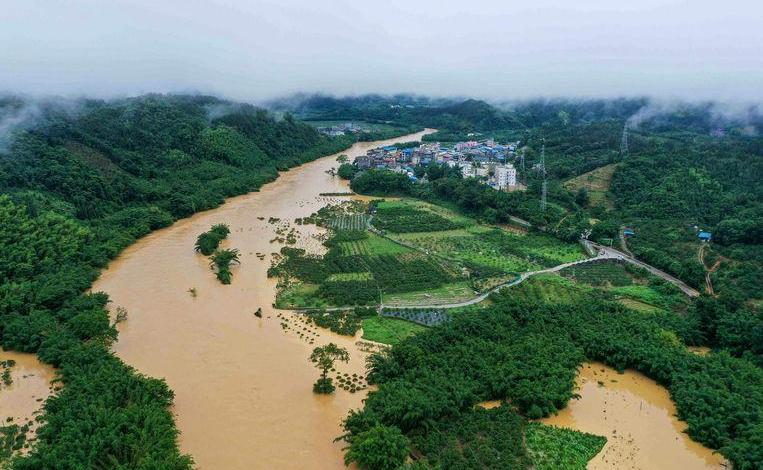 Photo of Floods kill tens and displace many residents in China