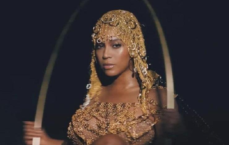"Photo of ""Beyoncé is not African American, she is Italian and worships Satan"""