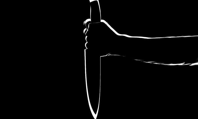 Photo of Extreme jealousy: Lady tries to slit her future co-wife's throat