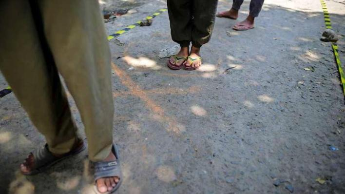 Indonesian 'corona offenders' openly embarrassed