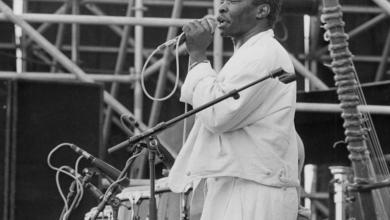 Photo of Guinean singer Mory Kanté, known for 'Yéké Yéké', passed away