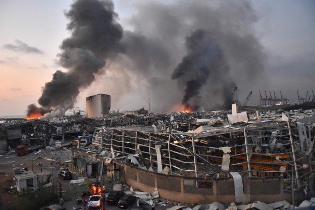 -Ein Jahr nach der Katastrophe der Doppelexplosion des Hafens, die einen Teil von Beirut zerstörte, ist die sehr politisierte Untersuchung immer noch mit Füßen getreten… Foto DR