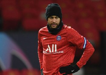 Paris Saint-Germain's Brazilian forward Neymar warms up during the UEFA Champions League group H football match between Manchester United and Paris Saint Germain at Old Trafford in Manchester, north west England, on December 2, 2020. (Photo by Oli SCARFF / AFP)
