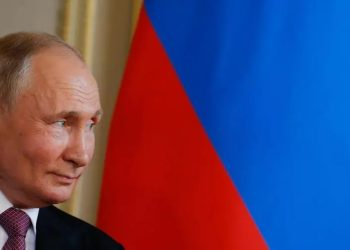 Putin boasts much approval ratings than his United Russia party. DENIS BALIBOUSE POOL/AFP