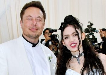 Elon Musk and Grimes attend the Heavenly Bodies: Fashion & The Catholic Imagination Costume Institute Gala at The Metropolitan Museum of Art on May 7, 2018 in New York City. | Image: Jason Kempin/Getty Images