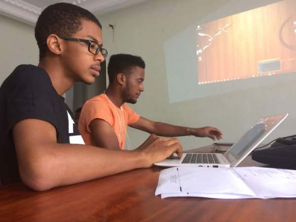 Makonjo Media teaches Christians and Muslims how to build websites for evangelism