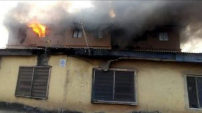 BREAKING: Fire engulfs one-storey building in Lagos