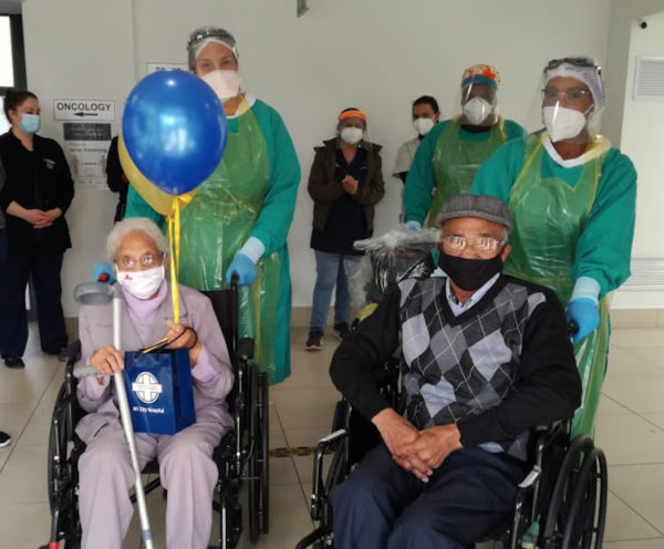 Hospital staff celebrates with Cape Town couple in their 90s as they beat Covid-19