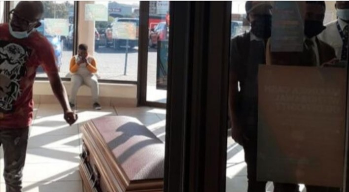 Angry family drops corpse at a bank over delay in funeral policy payment