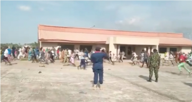 Many feared dead as security operatives attack residents looting COVID-19 palliative store in Kwara