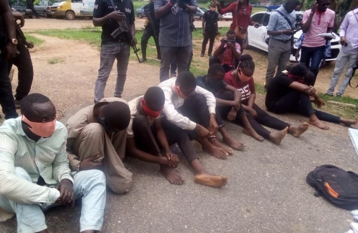 Oyo police arrest 8 fraudsters, armed robbers, others
