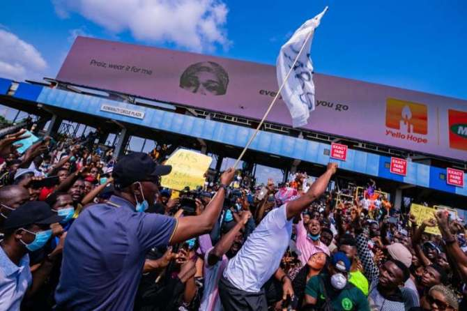 PHOTOS: Governor Sanwo-Olu Joins #EndSARS Protest In Lagos