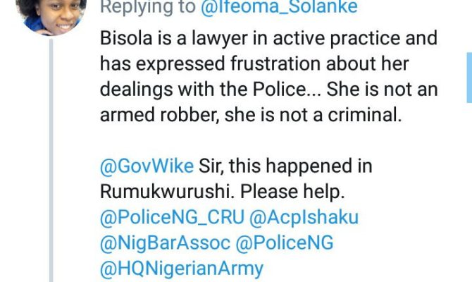 """""""Please help us"""" Woman cries out as her sister is kidnapped by suspected security operatives (video)"""