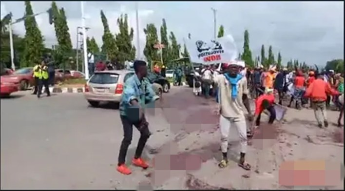 Senator's aides conveyed thugs in SUVs to attack #EndSARS protesters —Ex-DSS director