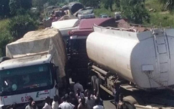 Tanker drivers protest alleged police brutality