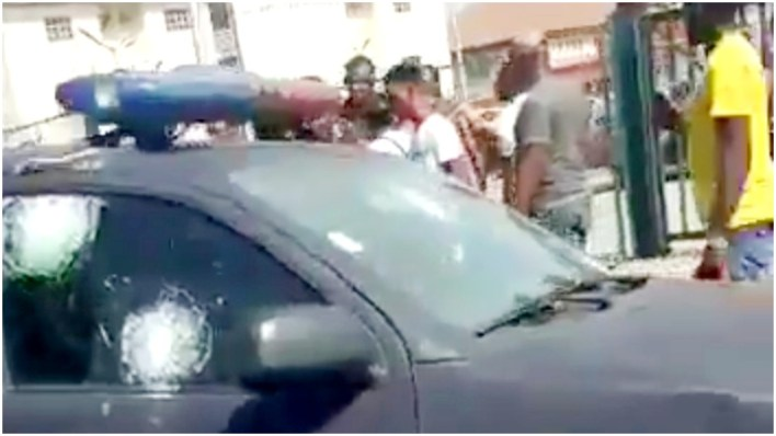 Lagos: How bullion van robbers sprayed money during escape