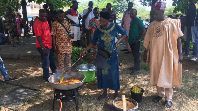 UI workers sweep premises, fry beans cake to celebrate VC's exit