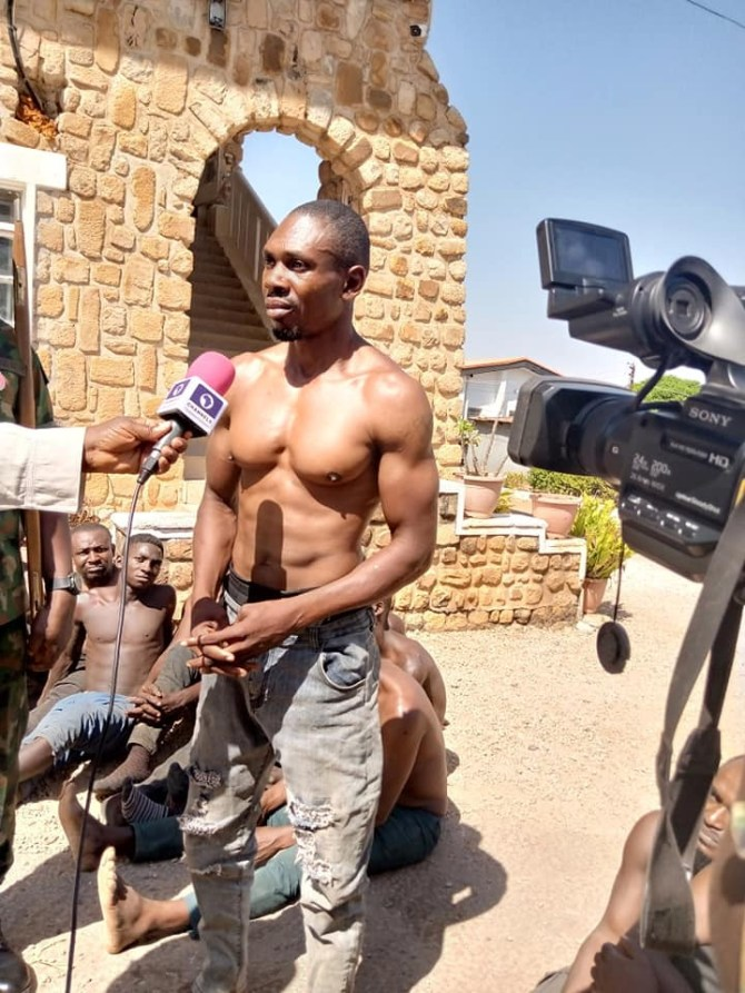 PHOTO: 33 suspected cultists, armed robbers arrested as Army raid criminal hideouts in Plateau state