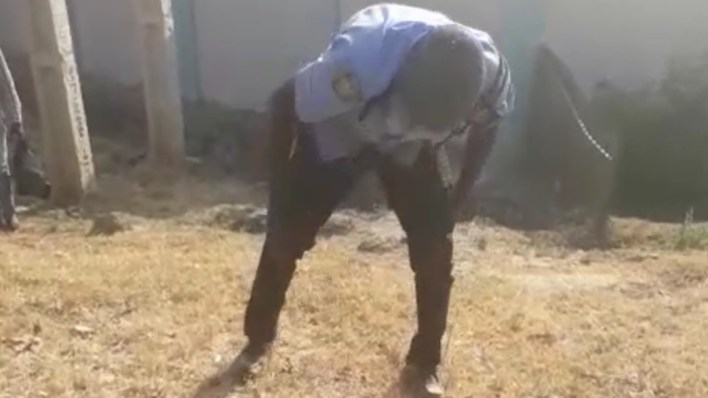 VIDEO: Passers-by reportedly seize rifle from drunk policeman in Abuja