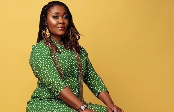 Photo: Lady Zamar shows off her makeup free face