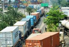 FG orders parked trucks, trailers on Lagos-Ibadan Expressway to vacate