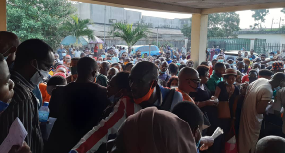BREAKING: NIMC Closes Lagos Office Over Mammoth Crowd Invasion (Photos)