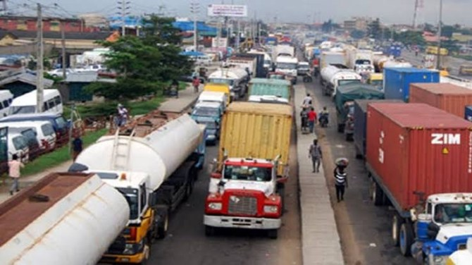 Lagos bans trucks, trailers from plying roads during the day