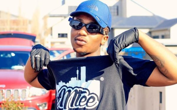 Emtee replies a troll who said there are just five celebrities in SA