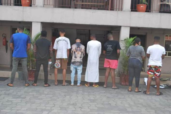 EFCC arrest eight suspected internet fraudsters in Port Harcourt, recovers cars (PHOTOS)