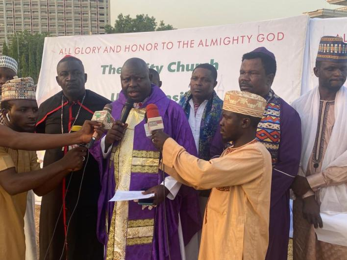 Inter-faith clerics end 21 days prayers for Nigeria, Buhari's administration